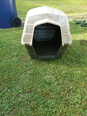 Medium Size Dog House for Sale in Powell, TN