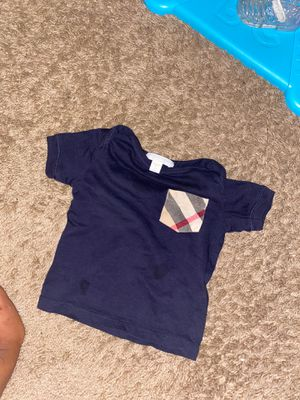 Burberry shirt for Sale in Euclid, OH