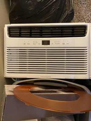 Frigidaire Air conditioner for Sale in Bakersfield, CA