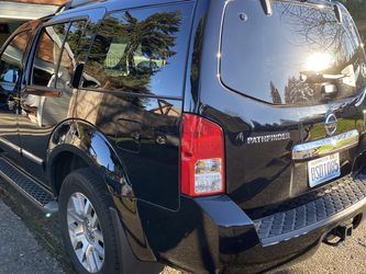 Nissan Pathfinder LE 4x4 for Sale in Vancouver,  WA