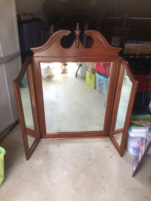 Dresser mirror for Sale in Pittsburgh, PA