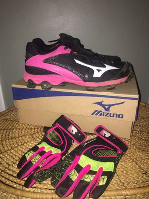 Size 7 Softball Cleats-Women's for Sale in Valley Stream, NY