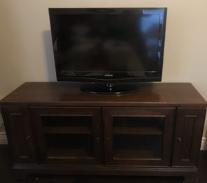 Entertainment center/ tv stand from rooms to go for Sale in Palm Harbor, FL