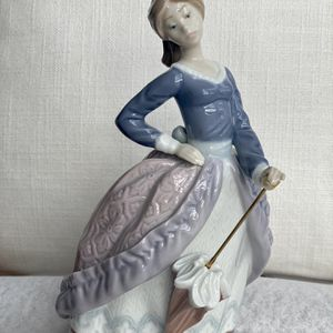 "Lladro Dama Sombrilla Plantada (Lady W Umbrella Planted) # 5212 ""Evita"" Retired for Sale in New York, NY"