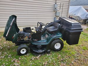 """Lawn Tractor Craftsman LT1000 42"""" with Bagger for Sale in Bristol, PA"""
