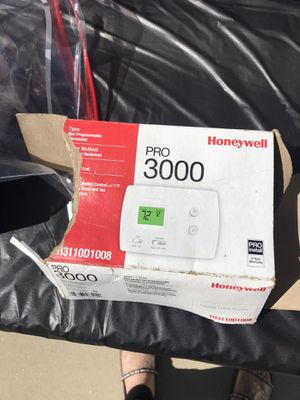 Honey well pro 3000 thermostat for Sale in Covina, CA