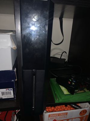 Xbox one with 5 games and 2 controllers for Sale in Falls Church, VA