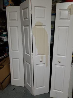 Bifold interior closet doors for Sale in Miramar, FL