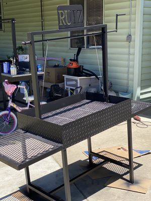 Bbq grills for Sale in Porterville, CA