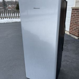 Hisense 6.3 cu. ft Refrigerator with Single Door and Freezer Stainless Silver for Sale in South Elgin, IL