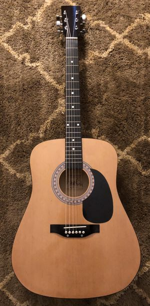 Acoustic guitar for Sale in Gainesville, FL