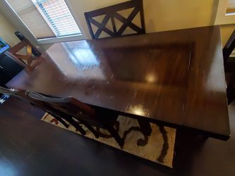 Dining Room Set With Rug for Sale in Stonecrest,  GA
