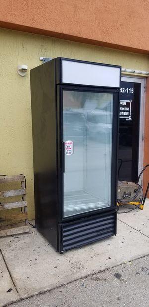 1 Door glass Cooler Refrigerator for Sale in Miami Gardens, FL
