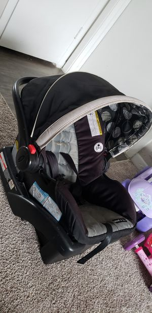Car Seat / Base for Sale in St. Petersburg, FL
