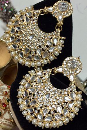 beautiful earrings for Sale in Jersey City, NJ