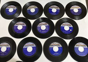 LOT OF MOTOWN 45s (The Jackson, Dianna Ross, Etc) for Sale in Lathrup Village, MI