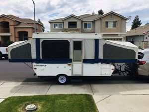 2002 Starcraft M-2105 Pop Up Tent Trailer. Look!! Nice!! for Sale in Modesto, CA