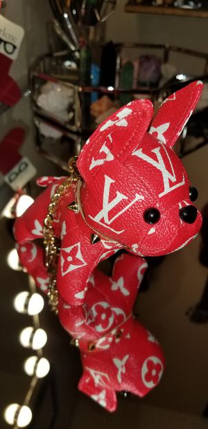 LOUIS VUITTON DOG - bag charm for Sale in Daly City, CA