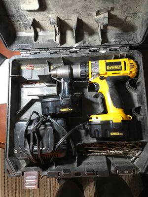 DeWALT Hammer drill 14.4 V two decent batteries and charger along with case for Sale in Lanoka Harbor, NJ