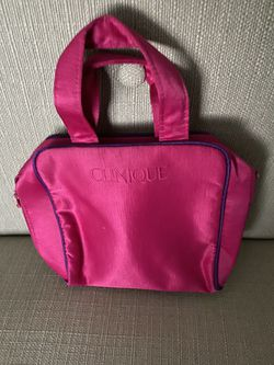 Clinique makeup bag for Sale in Fairfield,  OH