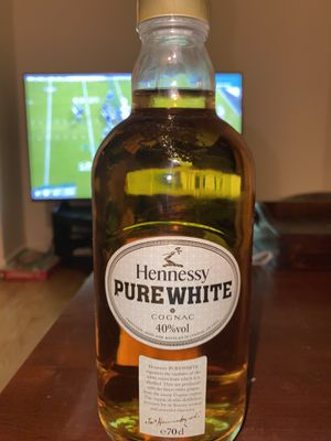 Hennessy pure white for Sale in Queens, NY