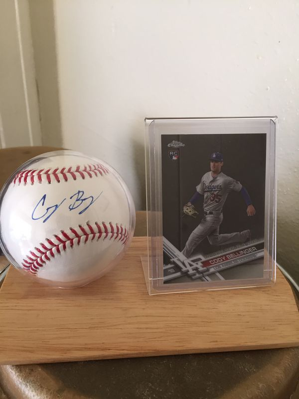 Cody bellinger autograph baseball and RC