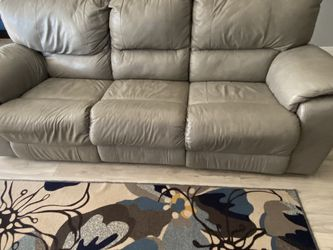 Leather recliner sofa and recliner love seat for Sale in Land O Lakes,  FL