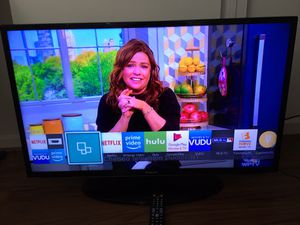 """TV Samsung 40"""" SMART TV in Excellent Working Condition, Remote Control and HDMI Ports Working. $170 OBO. for Sale in Boynton Beach, FL"""