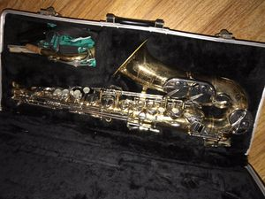 Selmer Bundy II alto saxophone for Sale in Pennsauken Township, NJ