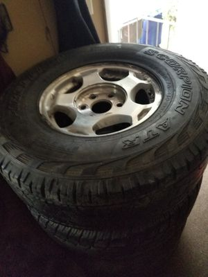 Rim's and tires off a 2004 Chevy Suburban for Sale in Columbus, OH