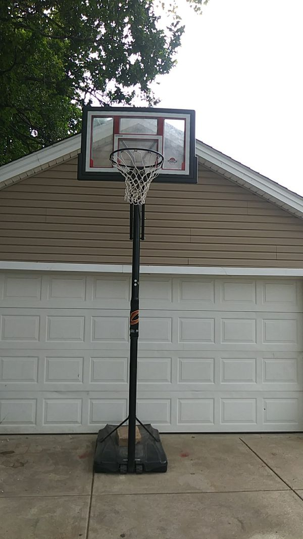 This is an adjustable basketball hoop adjust from 6 ft to 10 ft