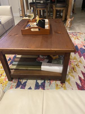 Wood coffee table for Sale in Fort Lauderdale, FL