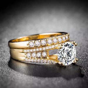 💍18K Gold plated Engagement/ Wedding 👰 Ring Set for Sale in Houston, TX