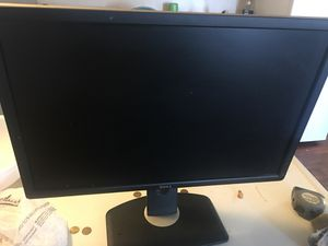 Broken Computer monitor for Sale in St. Louis, MO