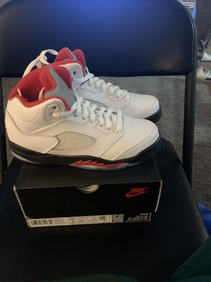 Jordan 5 retro fire red for Sale in Columbus, OH