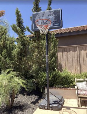 Basketball Hoop (Free Standing) for Sale in Murrieta, CA