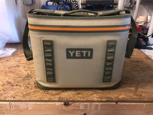 Yeti Cooler (Hopper Flip 18) for Sale in Norwalk, CT