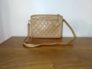 Chanel quilted leather bag for Sale in San Jose, CA