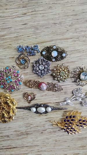 Vintage Brooches for Sale in Chesterfield, VA