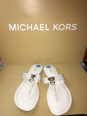💕💕Michael kors siZe 7:5 💕💕 for Sale in Garden Grove, CA