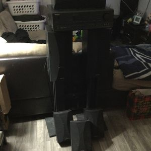 ONKYO Surround Sound System With Stands for Sale in Rancho Palos Verdes, CA
