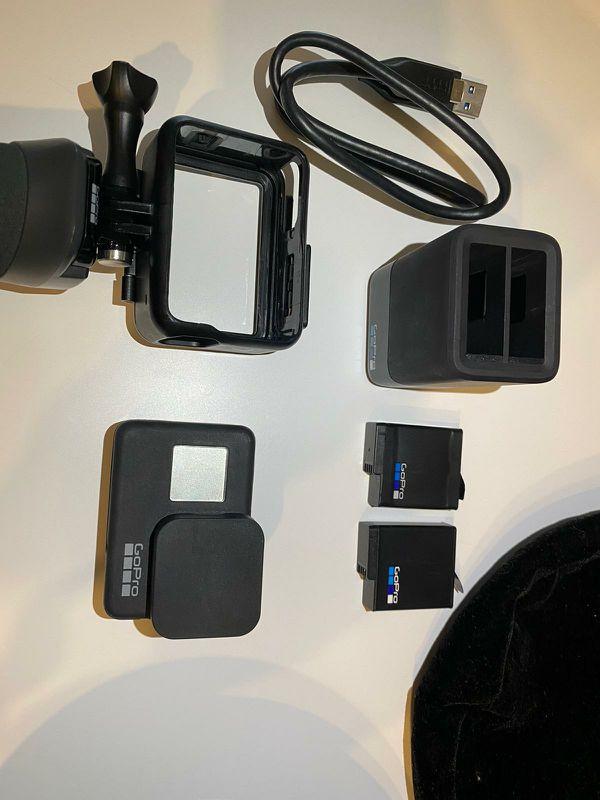 GoPro HERO 7 BLACK Action Camera Bundle