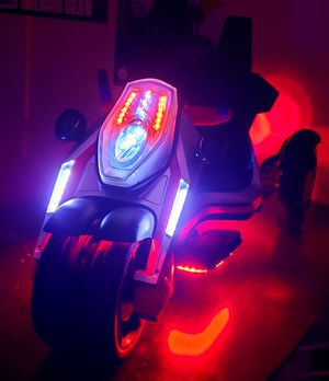 Power wheels motorcycle trike with bluetooth radio for Sale in Lexington, KY
