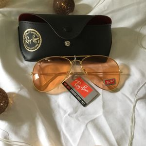 RayBan Rose gold Sunglasses 😎 for Sale in Miami, FL