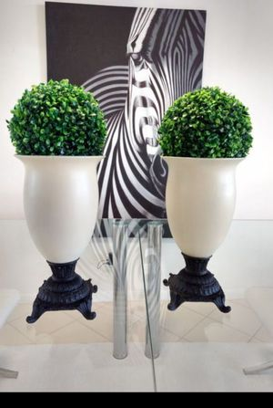 Two topiary Ivory with black stand vases for Sale in West Palm Beach, FL