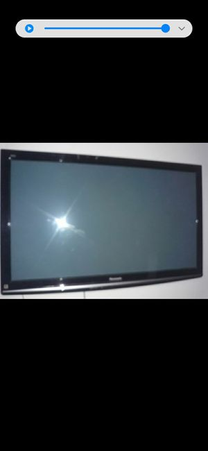 42 inches Panasonic in good conditio with control no stand for Sale in Dallas, TX