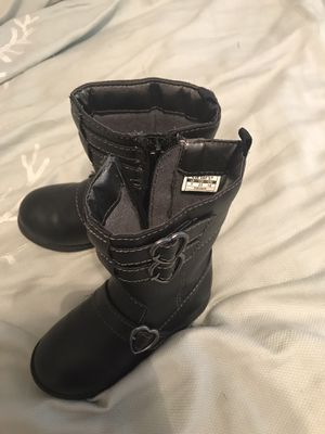Toddler girl boots size 7 for Sale in Gastonia, NC