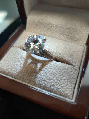 1.0 ct Diamond on a Tiffany Ring 💍 VVS 1 / F Color for Sale in Utica, MI