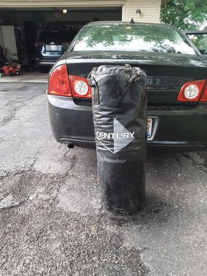 punching bag 70 lb for Sale in New Lenox, IL
