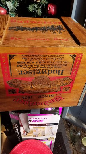 18x14x14 vintage Budweiser wooden box for Sale in Kutztown, PA